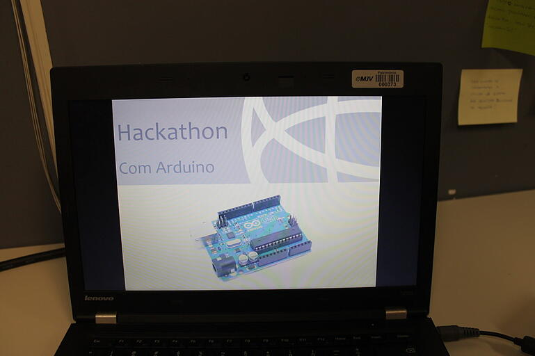 Hackathon sobre Arduíno - MJV